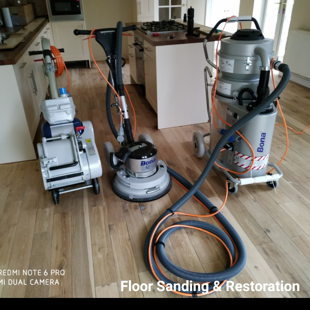99.9% dust-free sanding with Bona professional Sanders. Bona Belt UX, Bona DCS 70 dust collection system and Bona Flexisand.